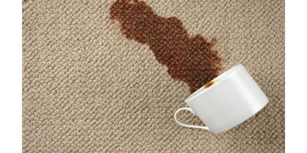 Как высушить диван от жидкости домашними средствами?